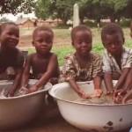 Ajutoarele financiare nu salvează populaţia ţărilor sărace!