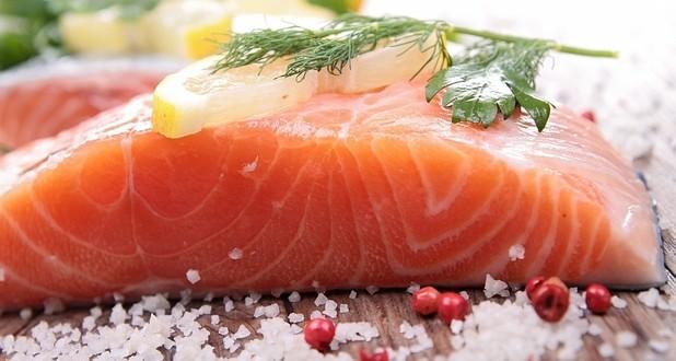 "Americanii vor mânca ""Frankenfish"", somonul ""nutritiv"" modificat genetic"