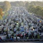 Agricultorii din Olanda protestează. Ei sunt nemulţumiţi de adoptarea măsurilor antipoluare