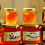 Italienii, cuceriți de mierea moldovenească. Un lot de miere va fi trimis spre testare în Italia