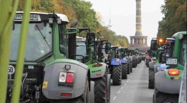 Fermierii germani protestează faţă de politica de mediu a Guvernului de la Berlin