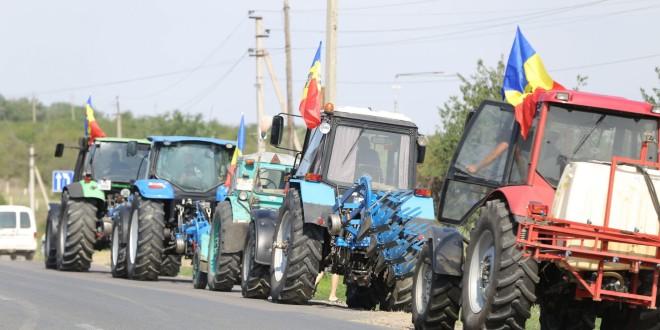 Protest: agricultorii din peste 10 raioane vor ieși mâine în stradă cu o listă de revendicări pentru Guvern
