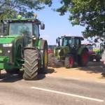 Sute de fermieri din Dobrogea (România) au ieșit cu utilajele în stradă!